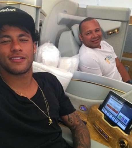 Neymar e pai, em foto postada no Instagram do craque (Foto: Reprodução / Instagram)