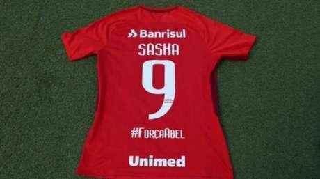 Internacional utilizará a hashtag #ForçaAbel como forma de apoio ao técnico Abel Braga (Foto: Reprodução Twitter)