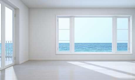 As portas e janelas são, respectivamente, as bocas e olhos da casa.