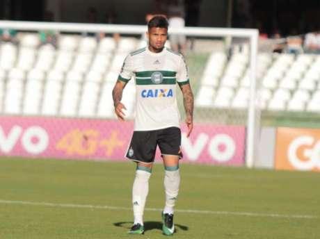 Lateral Léo confia em um bom jogo do Coritiba no Morumbi (Foto: Divulgação/ Coritiba)