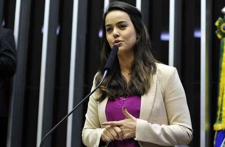 Shéridan foi chamada de gostosa pelos colegas ao ter seu nome anunciado para o voto