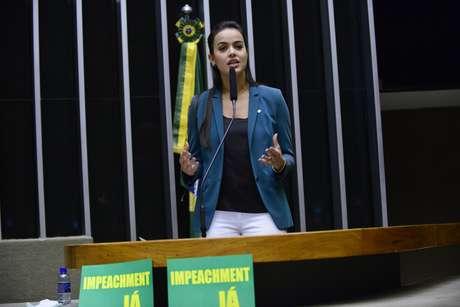 Deputada Shéridan (PSDB/RR) estava ausente no momento em que foi chamada para votação