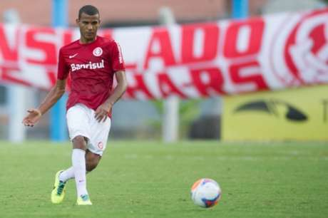 Ernando tem apenas um jogo no Brasileiro pelo Inter (Foto: Divulgação/Internacional)