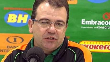 Treinador valorizou gordurinha do América-MG após derrota para o CRB por 2 a 1 (Foto: Reprodução)