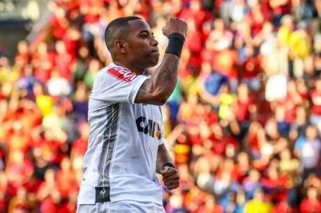 Atacante teve a chance de marcar neste domingo, mas perdeu o pênalti na Arena (Foto: Bruno Cantini/Atlético-MG)