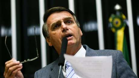 Bolsonaro se diz grande admirador de Enéas e o considera uma de suas maiores influências