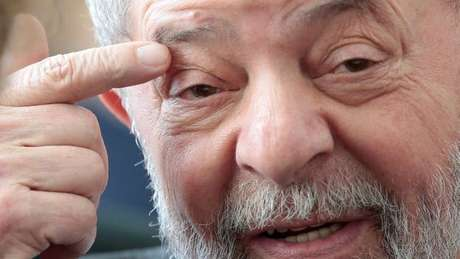 Principal crítica de Enéas a Lula era a baixa escolaridade do petista, diz historiador