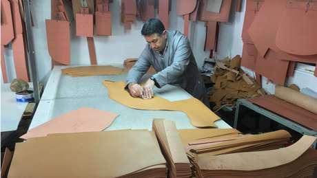 149cc75302c O fornecedor secreto das marcas de luxo da moda mundial