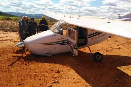 Avião com militares tem pane e faz pouso forçado em MG