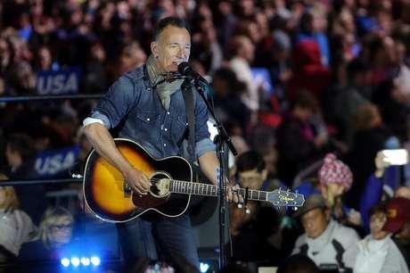 Bruce Springsteen faz show em evento de campanha de Hillary Clinton na Filadélfia  7/11/2016    REUTERS/Carlos Barria