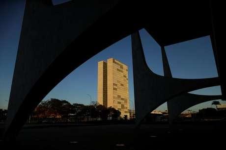 Prédio do Congresso Nacional visto das colunas do Palácio do Planalto em Brasília 12/04/2017 REUTERS  Ueslei Marcelino