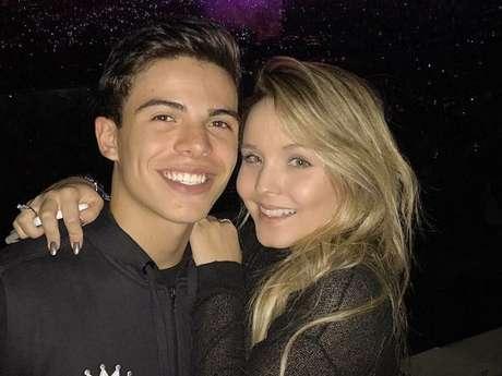 Larissa Manoela e Thomaz Costa continuam namorando, disse assessoria de  imprensa da atriz 1a62110b23