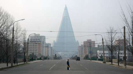 Famoso pela cúpula pontiaguda e forma piramidal, Ryugyong consumiu 2% do PIB do país