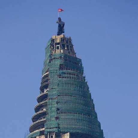 Em 2008, empresa egípcia anunciou recomeço da construção do hotel