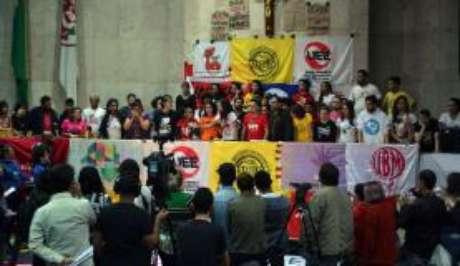 Estudantes ocupam o plenário da Câmara Municipal desde a quarta-feira