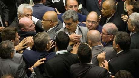 Sessão da câmara durante votação da denúncia contra Temer