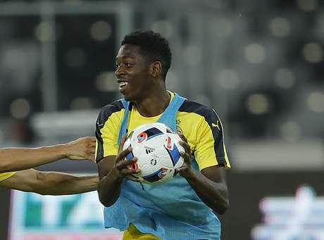 Dembélé é visto pelo Barça como potencial substituto de Neymar na equipe