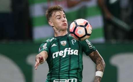 Roger Guedes e o elenco do Palmeiras voltarão suas atenções exclusivamente à disputa do Campeonato Brasileiro