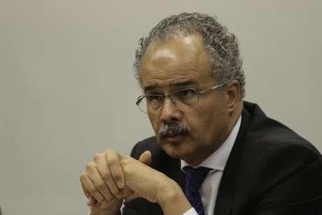 O  relator  da  reforma  política,  deputado  Vicente Cândido