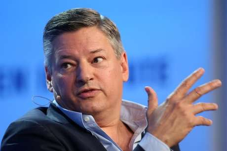 Diretor de conteúdo do Netflix, Ted Sarandos, fala durante Milken Institute Global Conference em Beverly Hills, Estados Unidos 3/5/2017  REUTERS/Lucy Nicholson