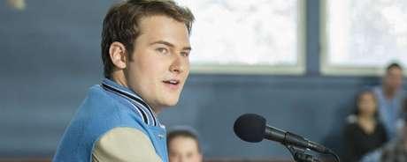 Com certeza, um dos personagens mais odiados de 13 Reasons Why (uma raiva justificada, diga-se de passagem) é Bryce (Justin Prentice). E a segunda temporada promete aprofundar este jovem.