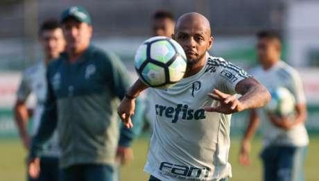 Felipe Melo durante treino do Palmeiras. Ele tirou folga nesta sexta - Foto: Cesar Greco