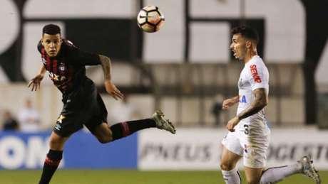 Atlético-PR perde para o Santos e fica fora da Libertadores