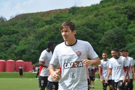Após cinco anos vestindo a camisa do clube baiano, Euller rescinde com o Vitória e deixa seu agradecimento ao clube (Foto: Maurícia da Matta / Divulgação / EC Vitória)