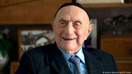 Morreu Israel Kristal, o homem mais velho do mundo