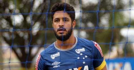 Se jogar, zagueiro formará dupla de zaga ao lado do estreante Digão (Foto: Bruno Faleiro/Cruzeiro)