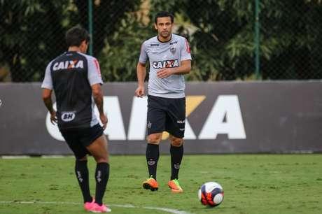 Artilheiro jogou no sacrifício na quarta, mas ficará de fora contra o Flamengo (Foto: Bruno Cantini/Atlético-MG)