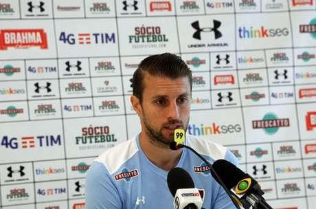 Fala, capitão: Henrique comentou as expectativas para o segundo turno (Foto: Lucas Merçon/Fluminense F,C,)