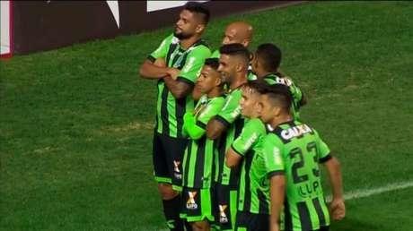 América-MG passou pelo Náutico e venceu mais uma no Brasileirão da Série B (Foto: Frame/Premiere)