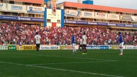 Tricolor, que havia goleado nos últimos jogos em casa, ganhou pelo placar simples. (Rodrigo Sanches/Paraná)