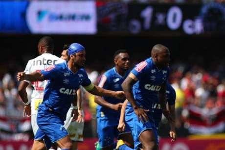 Apesar da derrota de virada, treinador valorizou rendimento do Cruzeiro (Foto: Pedro Vale/Eleven/Lancepress!)