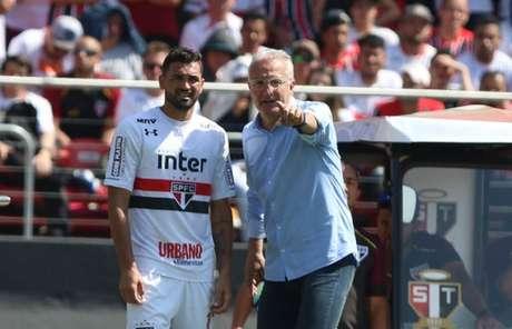 Gilberto foi decisivo na virada sobre o Cruzeiro e define futuro nesta segunda (Foto: Rubens Chiri/saopaulofc.net)