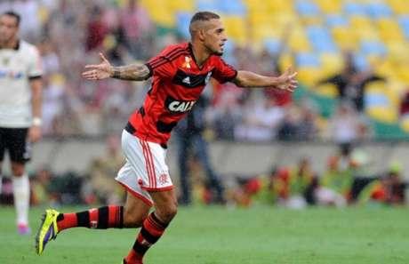 Paulinho pode ser o novo reforço do Guarani na busca pelo acesso à primeira divisão (Foto: Reprodução)