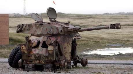 Blindado argentino destruído nas Falklands / Malvinas