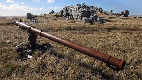 Artilharia argentina abandonada nas Malvinas/Falklands
