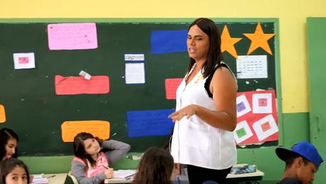 Professora diz que preconceito não é comum nas crianças - mas sim nos adultos