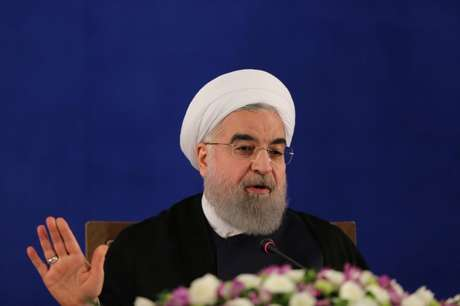 Presidente iraniano, Hassan Rouhani, durante coletiva de imprensa em Teerã 22/05/2017 TIMA via REUTERS