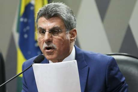 Jucá defende mudança da sigla para modernizar o partido