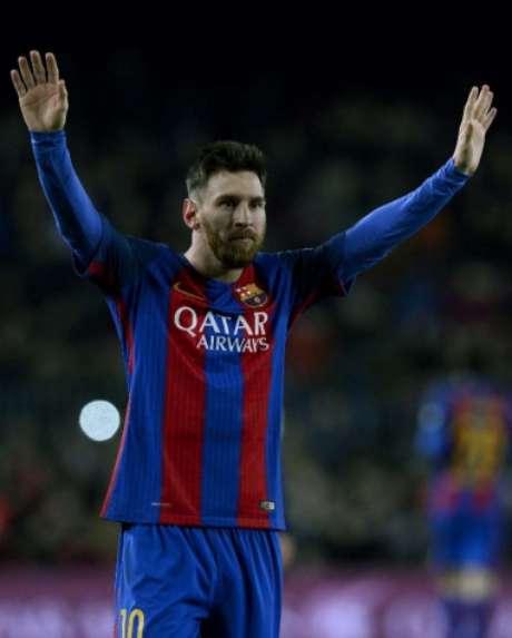 Jogadores e clubes se solidarizam após atentado em Barcelona