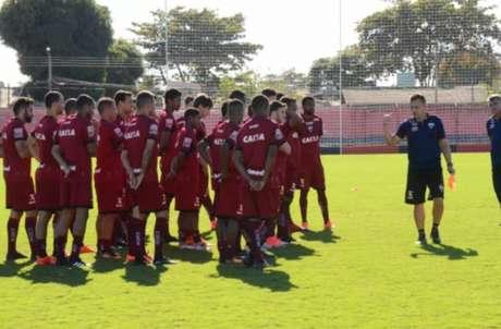 Contra o Flamengo, Atlético-GO pode ter Andrigo no lugar de Niltinho