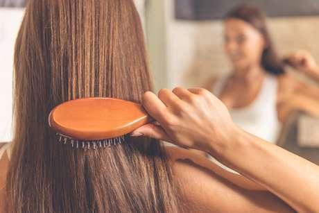 Usar a escova certa para o seu cabelo pode fazer toda a diferença!