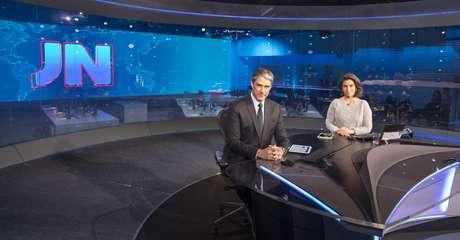 William Bonner e Renata Vasconcellos, âncoras do 'Jornal Nacional': a internet passou a pautar o telejornalismo