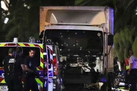 Caminhão que atropelou e matou pessoas em Nice, na França, em 2016