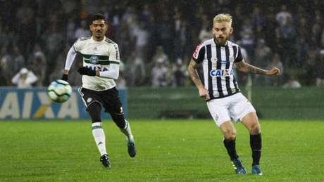 Alan Santos e Lucas Lima não conseguiram fazer a diferença neste domingo (Foto: Guilherme Artigas/Lancepress!)