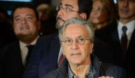O cantor Caetano Veloso e o juiz Marcelo Bretas durante ato no Rio de Janeiro
