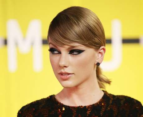 Nova música de Taylor Swift quebra recordes de streaming na web